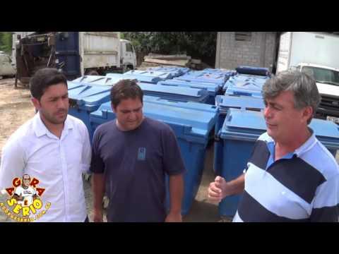 Prefeito Fernandão e Vereadores André Despézio e Zelão apresentam as Lixeiras Container