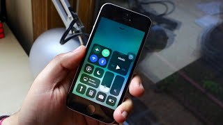 iOS 11.0.3 On iPHONE SE! (Review)