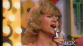 Dottie West - Funny, Familiar, Forgotten Feelings