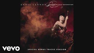 Kadr z teledysku Love Song For A Vampire tekst piosenki Annie Lennox