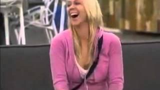 Странный смех у девушки