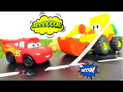 Lightning McQueen 🚗 & excavator Max. New McQueen race track 🏎️ Toy cars videos for kids #PlayTime.