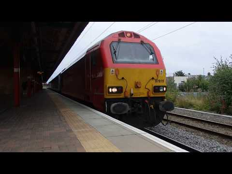 DB Cargo 67018 departs Warrington Bank Quay with loco hauled…