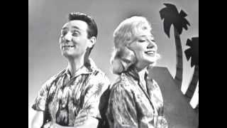 Joan Savage & Ken Morris - Yellow Bird, Up High In Banana Tree