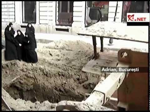 Marturisire in Romania zilelor noastre: cinci maici de la man. Stavropoleos au stat in fata unui excavator pentru a-i opri pe muncitori de a lucra in timpul slujbei de Duminica