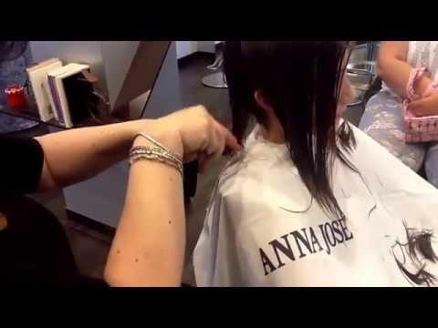 I mezzi per togliere lavando di vernice di capelli