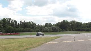 preview picture of video 'Chevy Camaro vs. VW Käfer - Race@Airport Landshut 2014'