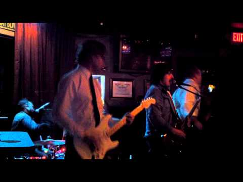 "Dialtone performs ""New Girl"" live at The Park Bar 1/18/13"