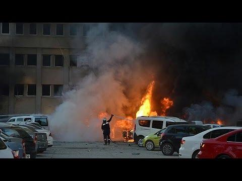 Δύο νεκροί, δεκάδες τραυματίες από βομβιστική επίθεση στα Άδανα