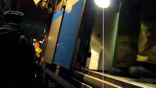 P1090714спуск на волокуше в 1 дверь вагона