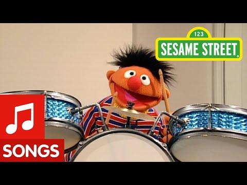 Sesame Street: Ernie Sings
