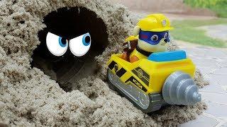Мультики для детей с машинками и игрушками Щенячий Патруль Гонки! Истории игрушек новые серии онлайн