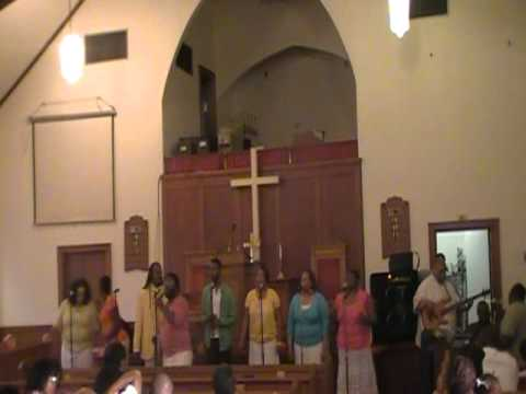 "Elder Larry Moore & Grateful's Spring Concert 2011(Praise Break) ""In The Day"""