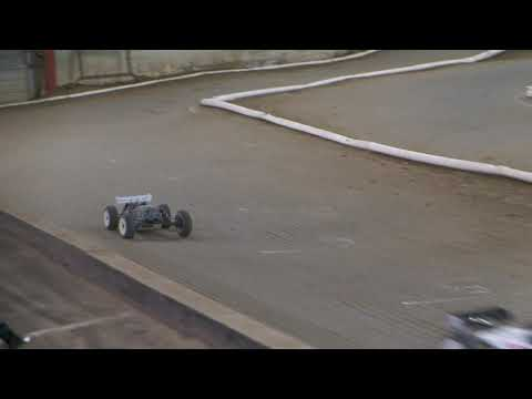 Shawn Thomas ET48 2.0 Lap with your Leader Indy RC World offroad racing