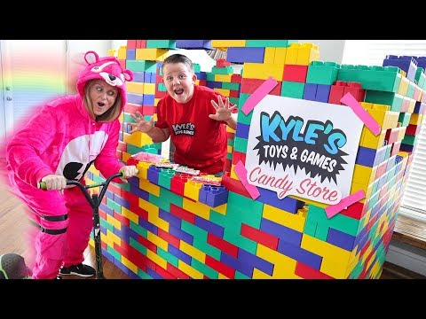 GIANT LEGO CANDY DRIVE THRU Candy Dispenser Restaurant Store!
