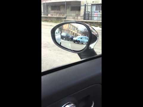 Regolazioni specchietti retrovisori