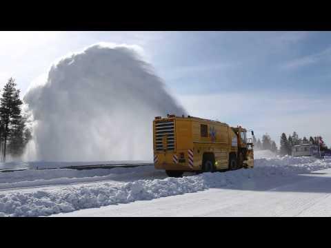 Как се чисти сняг в белите страни