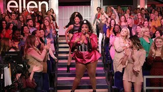 Lizzo Gets The Audience On Their Feet With 'Juice'