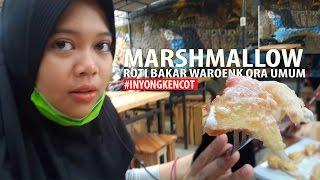 Gambar cover Roti Bakar MARSHMALLOW Waroenk Ora Umum #INYONGKENCOT
