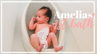 NEWBORN BABYS FIRST BATH AT HOME | FAVORITE BABY BATH PRODUCTS