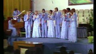 """Video thumbnail of """"Heritage Singers / """"We've Come This Far By Faith"""" (live)"""""""
