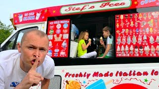 Макс и Катя играют в Вагончике мороженого или  Dad's ice-cream truck