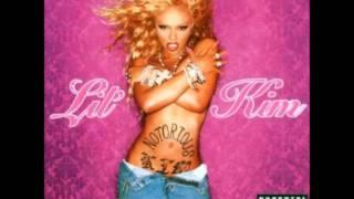 Lil' Kim - She Don't Love You