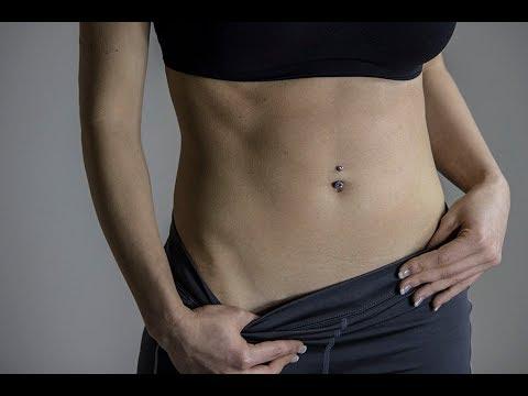 Come riunirsi in uno stomaco da un fondo di stomaco di esercizio