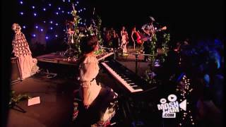 Angus & Julia Stone - Intro To A Book Like This (Live in Sydney) | Moshcam