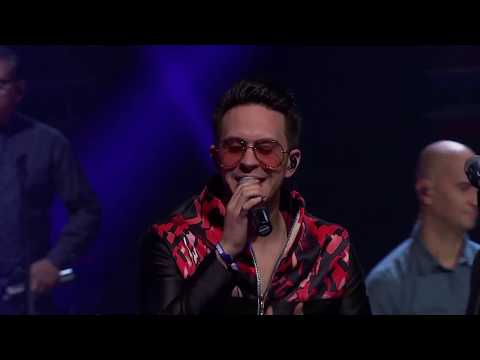 {Dame Un Beso (Live)} Best Songs