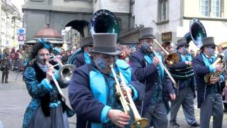スイス発 ベルンのファスナハトパレード・青バンド 2 【スイス情報.com】
