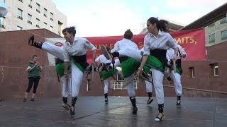 preview picture of video 'Festa Major Reivindicativa Les Corts 2013. Bastons i castells'