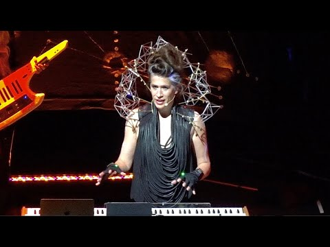 Imogen Heap, Goodnight And Go (Ariana Grande mashup version), live in San Francisco, June 8, 2019