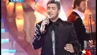Popstar Alaturka - Armağan - Gözlerimde Donmuş İki Damlasın.mp4