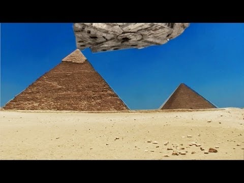 HUGE UFO Caught on Tape at Great Pyramid. Illuminati Fake Alien Craft to Discredit REAL UFO