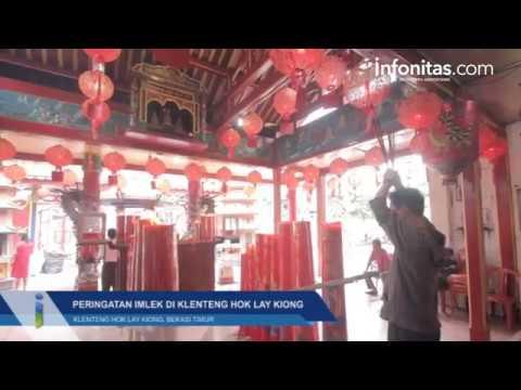 Perayaan Imlek di Klenteng Hok Lay Kiong