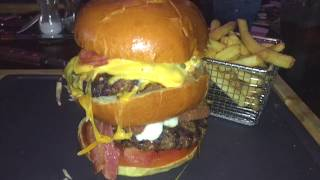 vlog #3 | THE WARRIOR BURGER!!