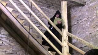 preview picture of video 'Lesung aus dem Buch Der Glöckner von Notre Dame im Turm der Berchinger Lorenzkirche.'