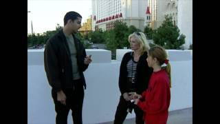 Guessing Amount of Change in Pocket: Street Magic | David Blaine