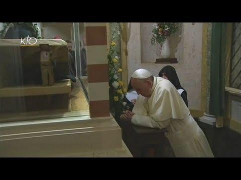 Le Pape François rencontre les Moniales