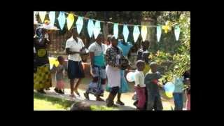 preview picture of video 'Altre immagini della festa di adozione di Viki 'Ngala Lunghi'