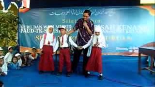 preview picture of video 'SD ISLAM PASURUAN Guruku Tersayang'
