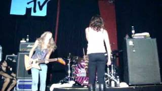 The Donnas @ Sao Paulo - MTV VIP Show - 5 O' Clock In The Morning