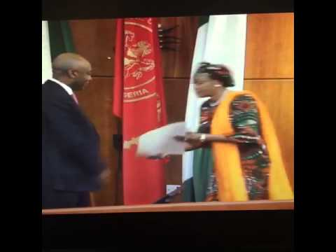 Remi Tinubu Refuses to shake Bukola Saraki Video