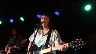 Angel Olsen - Hi-Five (The Riot Room, Kansas City MO 04/28/2014)