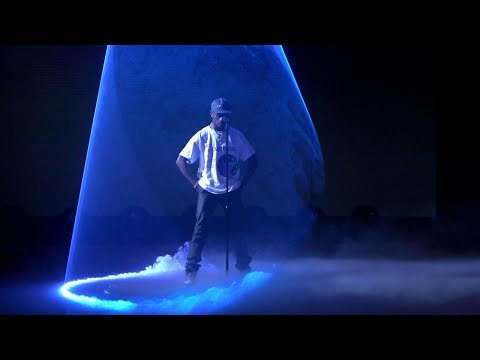 Travis Scott Lights Up the Stage with 'Sicko Mode'