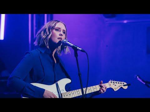 Lilla Vargen - The Shore (Live in London)