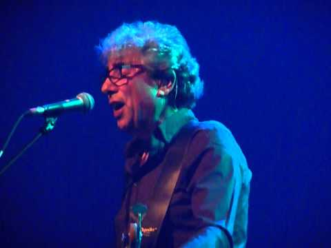 10CC live in Beverwijk 14 04 11 Life Is A Minestrone