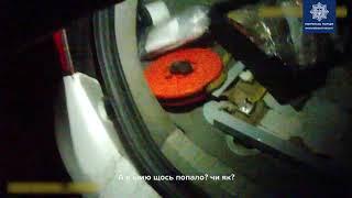 В Коблево полицейские помогли истекавшему кровью мужчине попасть в больницу. Видео