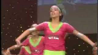 Halla Bol by Arya Dance Academy - YouTube